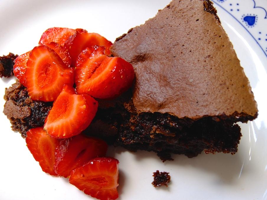 Almond and Swiss chocolate cake