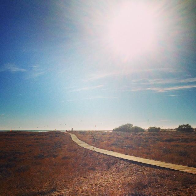 Path to Santi Petri Beach