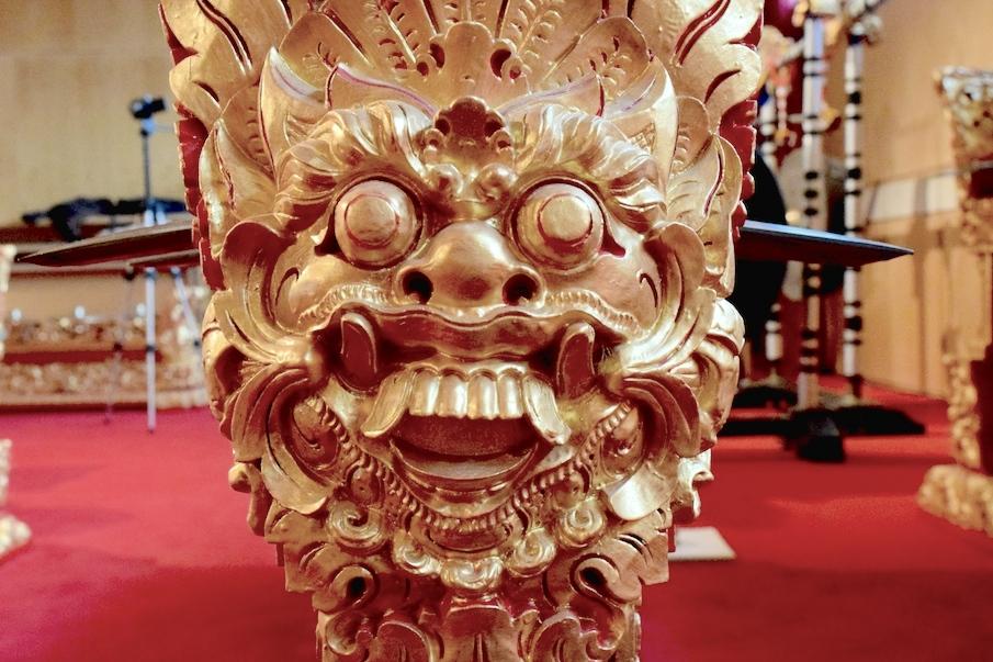 Balinese Gamela music and sculptures